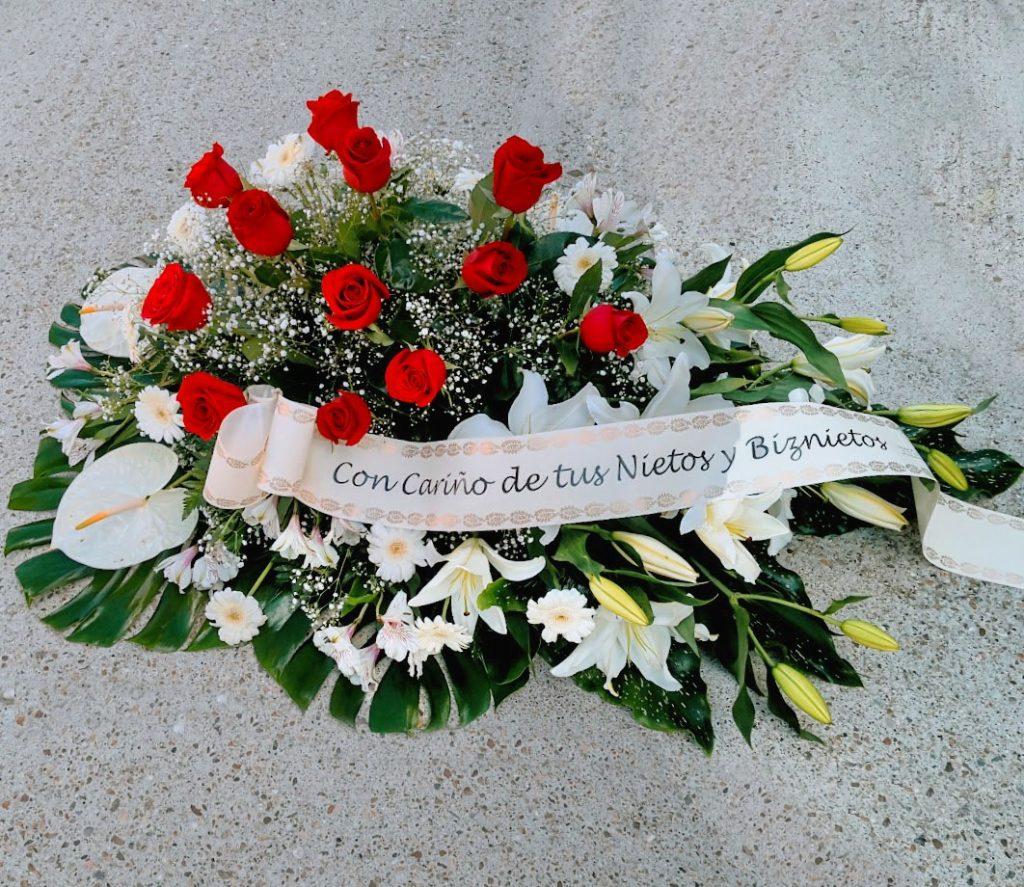 Centro de flores de difuntos para el tanatorio de León