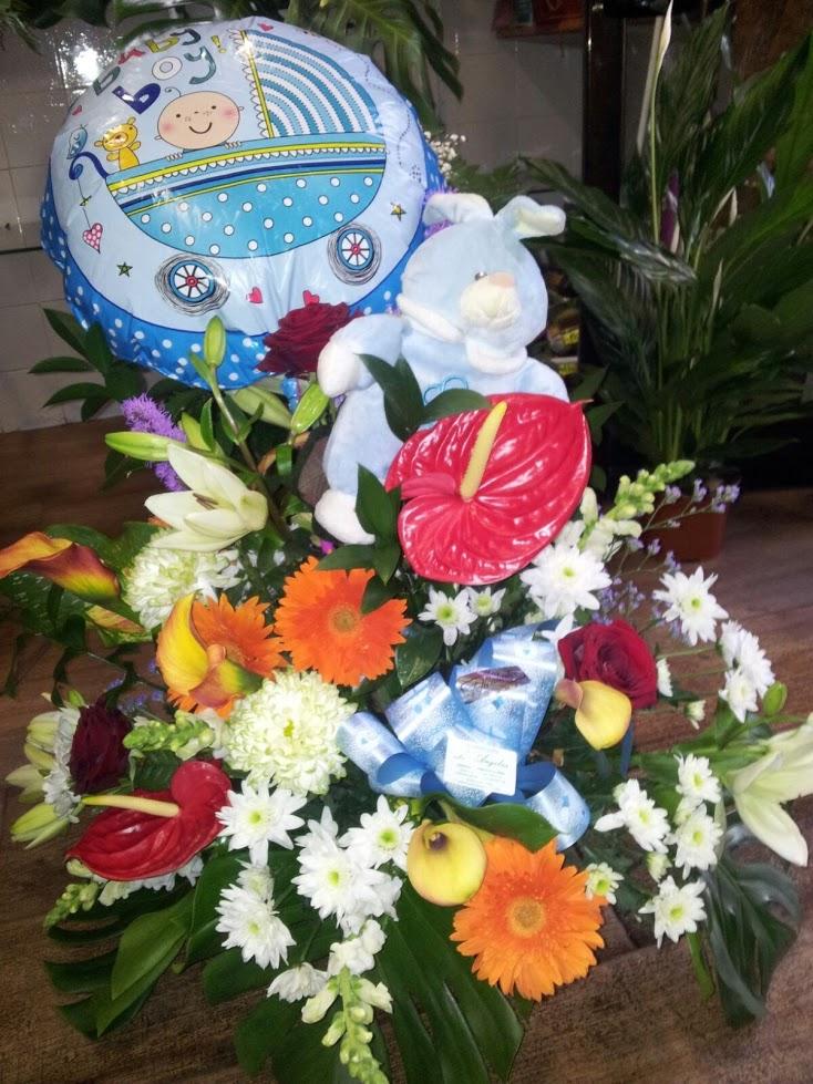 Ramos de flores para un nacimiento